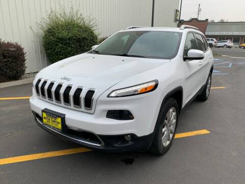 2017 Jeep Cherokee for sale at DAVENPORT MOTOR COMPANY in Davenport WA