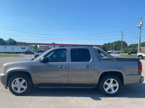 2007 Chevrolet Avalanche for sale at Smooth Solutions 2 LLC in Springdale AR