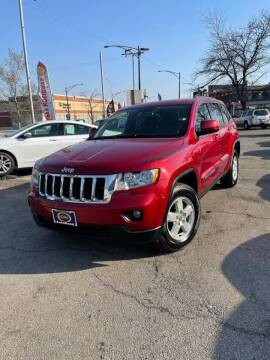 2011 Jeep Grand Cherokee for sale at AutoBank in Chicago IL
