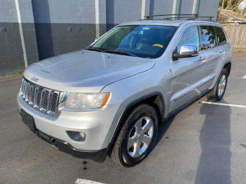 2013 Jeep Grand Cherokee for sale at APX Auto Brokers in Lynnwood WA