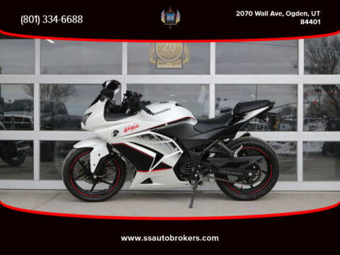 2011 Kawasaki Ninja 250R for sale at S S Auto Brokers in Ogden UT