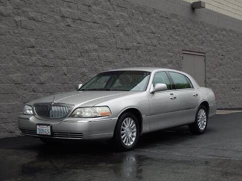 2003 Lincoln Town Car for sale at Gilroy Motorsports in Gilroy CA