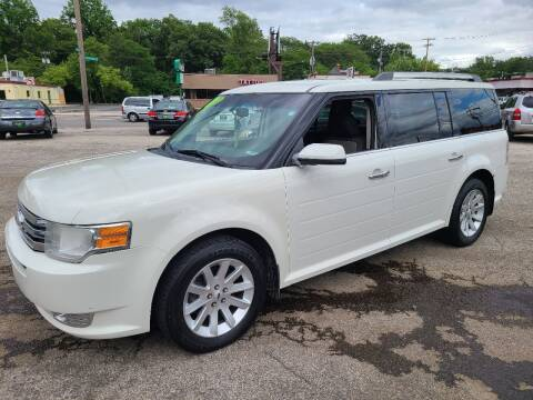 2011 Ford Flex for sale at Johnny's Motor Cars in Toledo OH