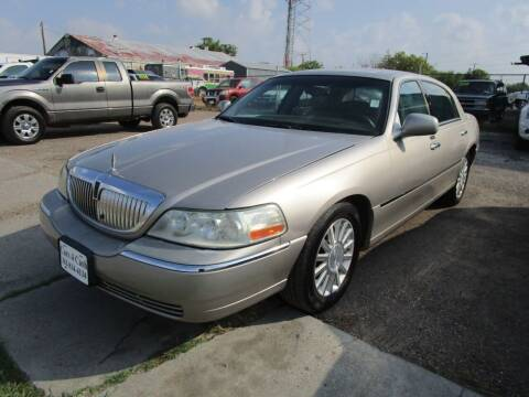 2003 Lincoln Town Car for sale at Cars 4 Cash in Corpus Christi TX