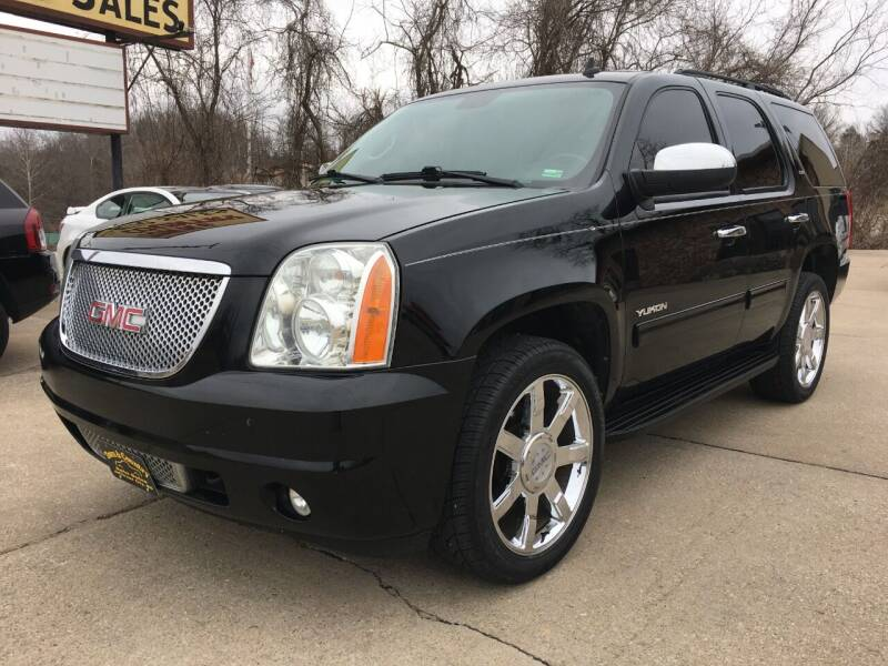 2014 GMC Yukon for sale at Town and Country Auto Sales in Jefferson City MO