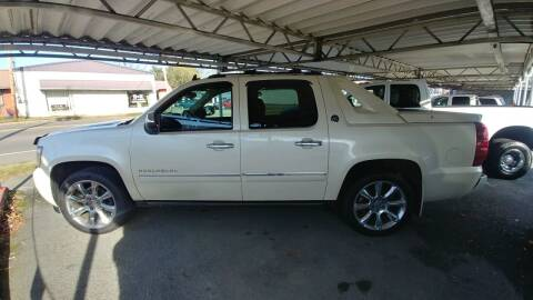 2013 Chevrolet Avalanche for sale at Lewis Used Cars in Elizabethton TN