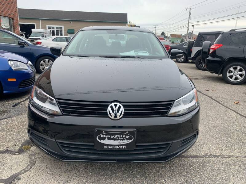 2011 Volkswagen Jetta SE PZEV 4dr Sedan 6A w/ Conv. and Sunroof - Portland ME