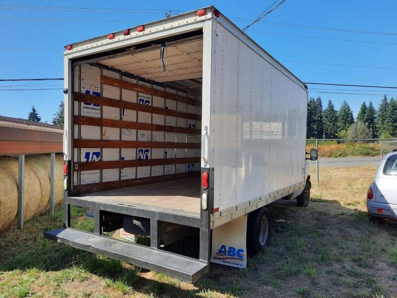 2004 Ford E-Series Chassis E-350 SD 2dr Commercial/Cutaway/Chassis 138-176 in. WB - Mckenna WA