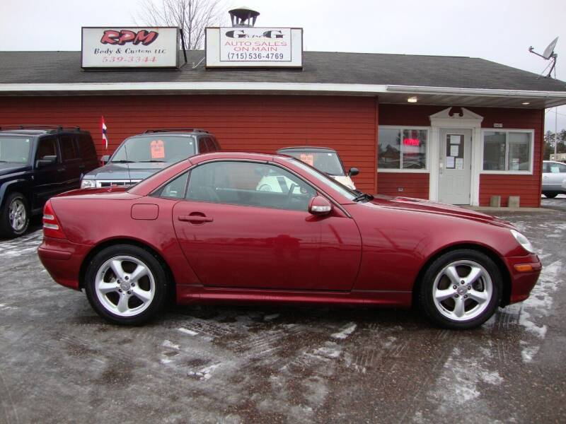 2004 Mercedes-Benz SLK for sale at G and G AUTO SALES in Merrill WI