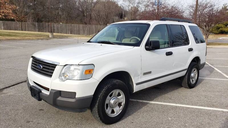 2006 Ford Explorer for sale at Nationwide Auto in Merriam KS