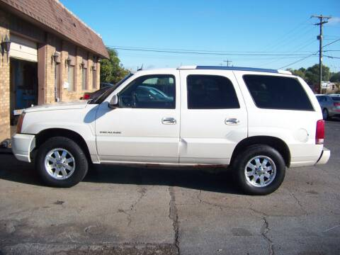 2005 Cadillac Escalade for sale at C and L Auto Sales Inc. in Decatur IL