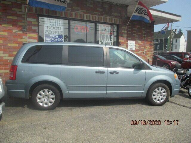 2008 Chrysler Town and Country for sale at MERROW WHOLESALE AUTO in Manchester NH
