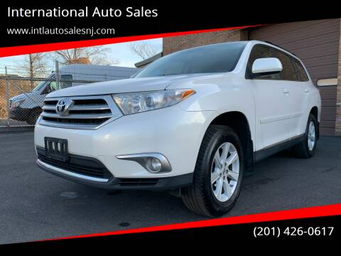 2013 Toyota Highlander for sale at International Auto Sales in Hasbrouck Heights NJ
