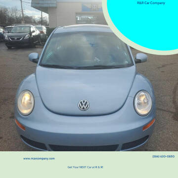 2009 Volkswagen New Beetle for sale at R&R Car Company in Mount Clemens MI