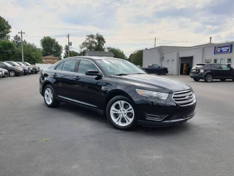 2018 Ford Taurus for sale at CITY SELECT MOTORS in Galesburg IL