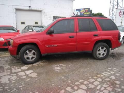 2002 Chevrolet TrailBlazer for sale at BEST CAR MARKET INC in Mc Lean IL