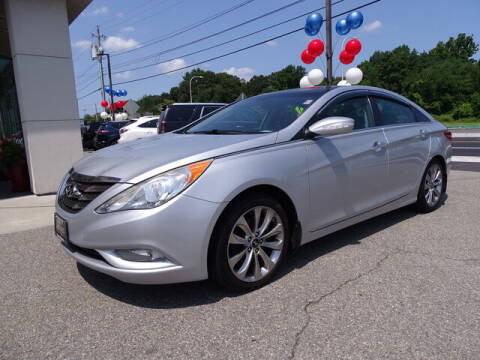 2012 Hyundai Sonata for sale at KING RICHARDS AUTO CENTER in East Providence RI