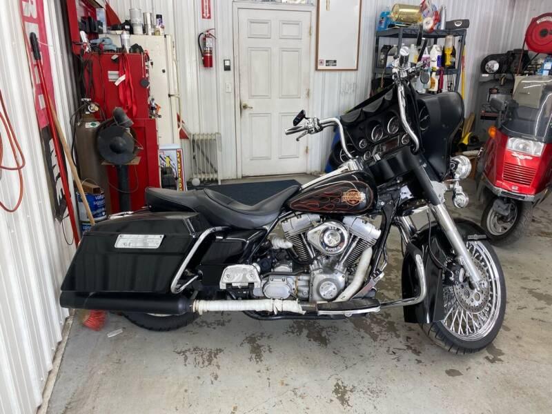 2002 HarleyDavidson ElectraGlideFLHT for sale at CarSmart Auto Group in Orleans IN