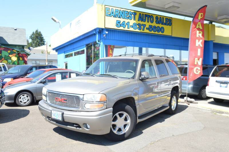 2002 GMC Yukon for sale at Earnest Auto Sales in Roseburg OR