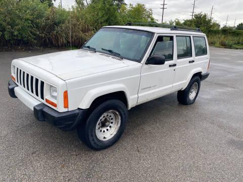 2000 Jeep Cherokee for sale at Mr. Auto in Hamilton OH