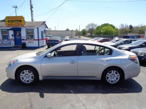 2009 Nissan Altima for sale at Cars Unlimited Inc in Lebanon TN