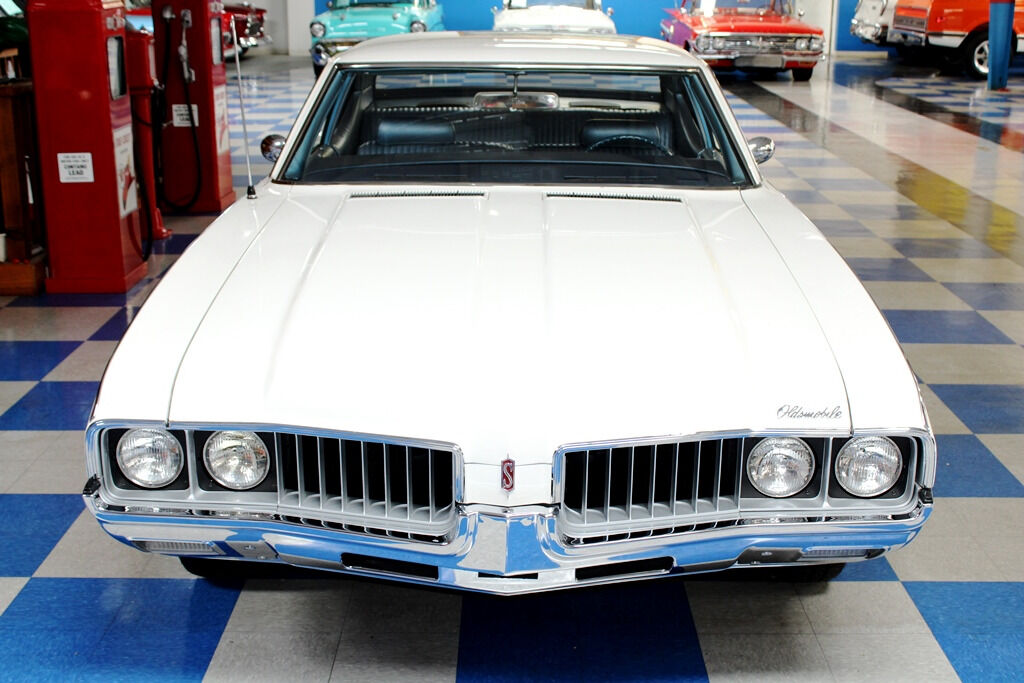 1969 Oldsmobile Cutlass 12
