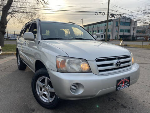 2005 Toyota Highlander for sale at JerseyMotorsInc.com in Teterboro NJ