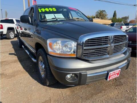 2006 Dodge Ram Pickup 2500 for sale at Dealers Choice Inc in Farmersville CA