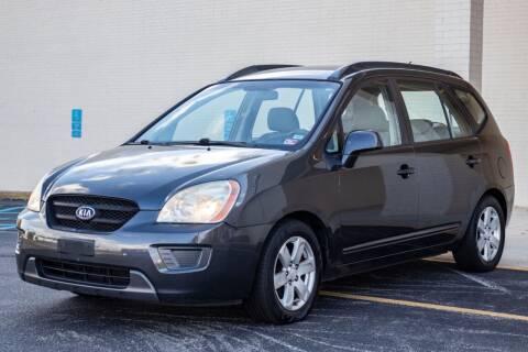 2007 Kia Rondo for sale at Carland Auto Sales INC. in Portsmouth VA