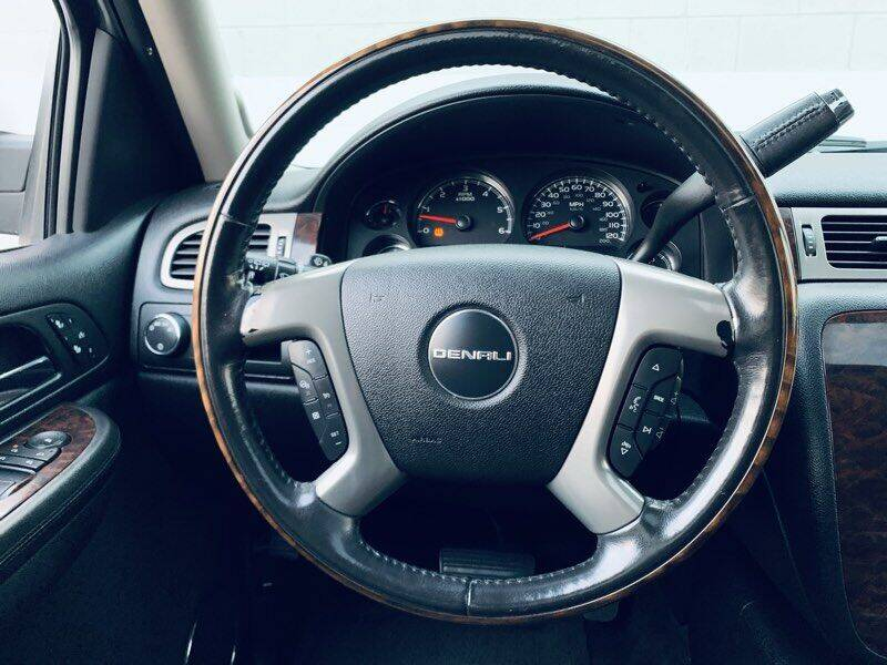 2009 GMC Yukon XL AWD Denali 4dr SUV - Ontario CA