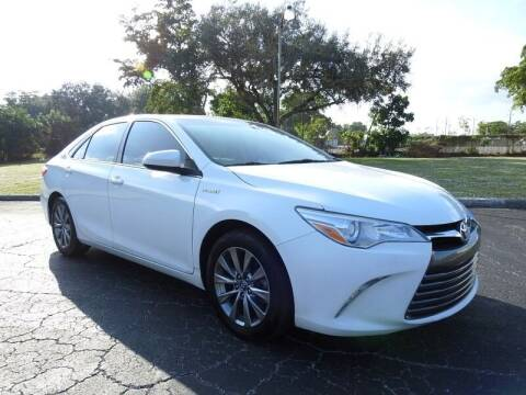 2016 Toyota Camry Hybrid for sale at SUPER DEAL MOTORS in Hollywood FL