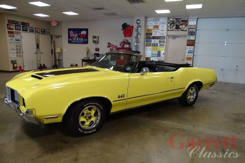 1972 Oldsmobile Cutlass Supreme for sale at Garrett Classics in Lewisville TX