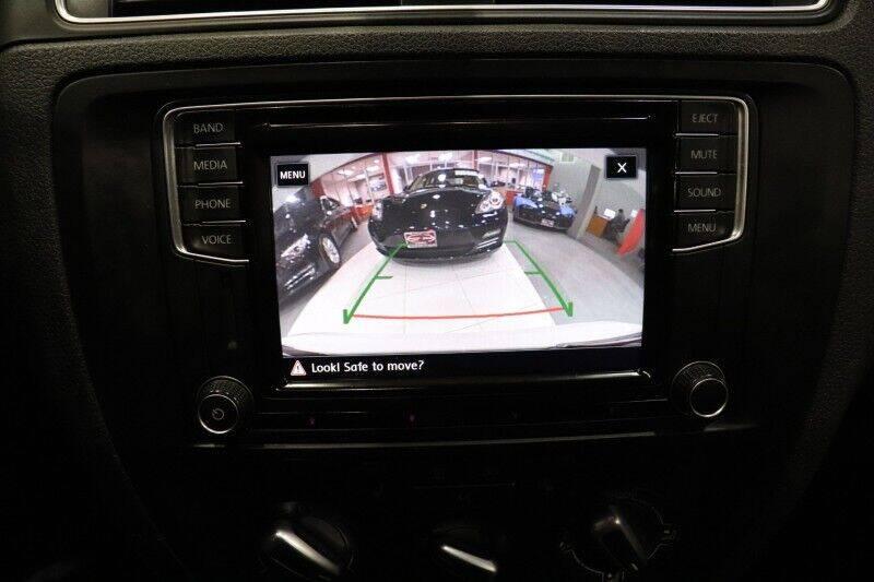 2017 Volkswagen Jetta 1.4T SE 4dr Sedan 5M - Springfield NJ