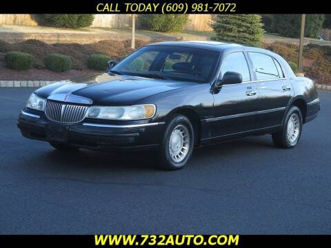 2000 Lincoln Town Car for sale at Absolute Auto Solutions in Hamilton NJ