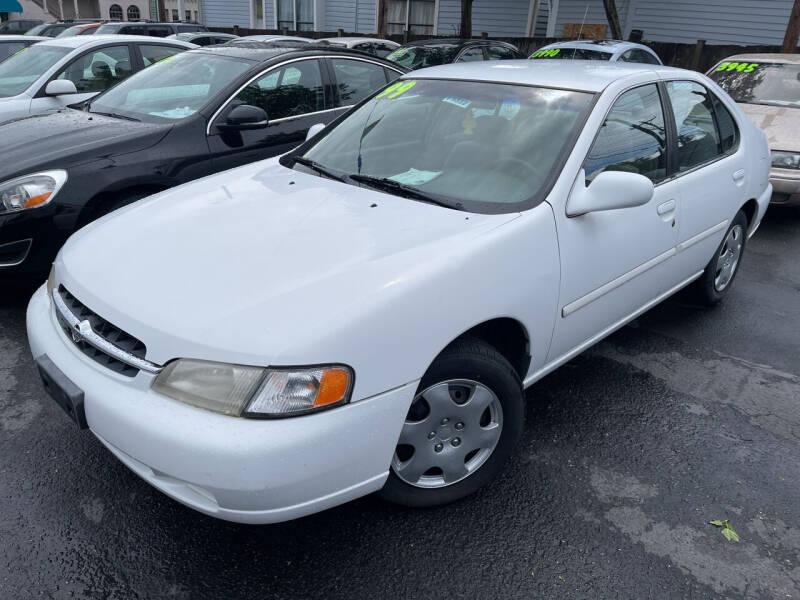 1999 Nissan Altima for sale at American Dream Motors in Everett WA