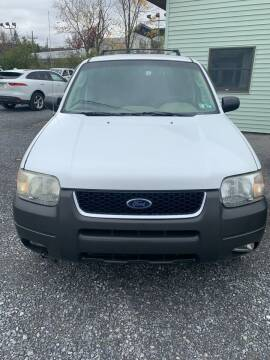 2004 Ford Escape for sale at Superior Auto Sales in Duncansville PA