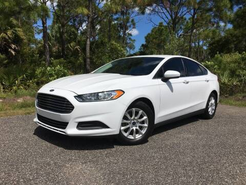 2016 Ford Fusion for sale at VICTORY LANE AUTO SALES in Port Richey FL