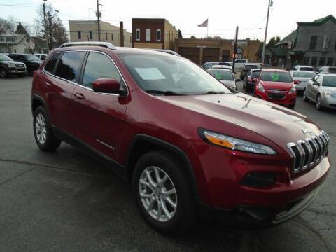 2016 Jeep Cherokee for sale at NORTHLAND AUTO SALES in Dale WI