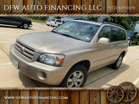 2004 Toyota Highlander for sale at DFW AUTO FINANCING LLC in Dallas TX