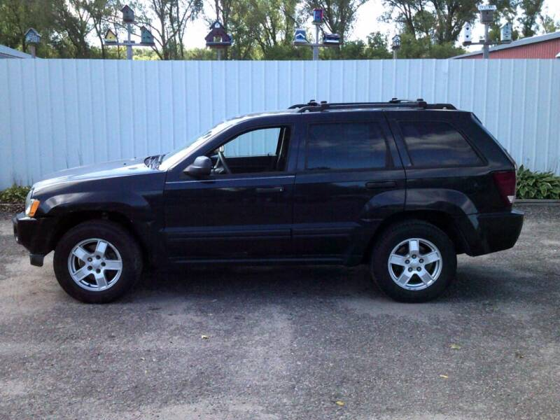 2005 Jeep Grand Cherokee for sale at Chaddock Auto Sales in Rochester MN