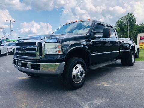 2005 Ford F-350 Super Duty for sale at BRYANT AUTO SALES in Bryant AR