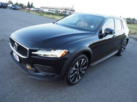 2020 Volvo V60 Cross Country for sale at Karmart in Burlington WA