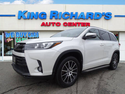 2018 Toyota Highlander for sale at KING RICHARDS AUTO CENTER in East Providence RI