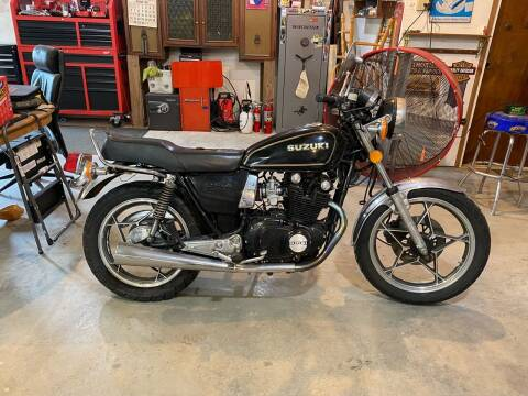 1981 Suzuki GS450  for sale at CarSmart Auto Group in Orleans IN