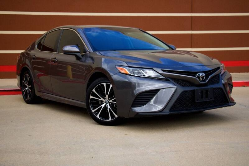 2018 Toyota Camry for sale at Auto Hunters in Houston TX