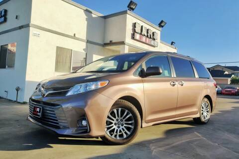 2018 Toyota Sienna for sale at Fastrack Auto Inc in Rosemead CA