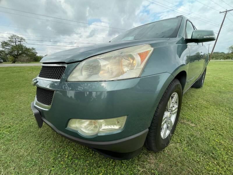 2009 Chevrolet Traverse for sale at Carz Of Texas Auto Sales in San Antonio TX