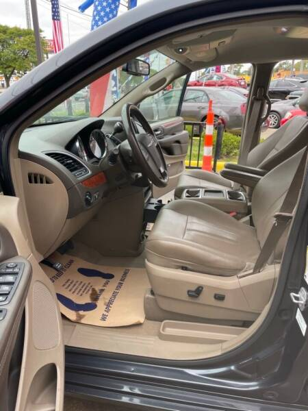 2013 Chrysler Town and Country for sale at Carmen's Auto Sales in Hazel Park MI