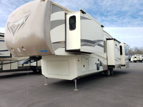 2015 Forest River Cedar creek 38RD  for sale at Ultimate RV in White Settlement TX