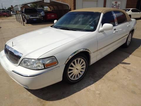 2003 Lincoln Town Car for sale at 4 B CAR CORNER in Anadarko OK
